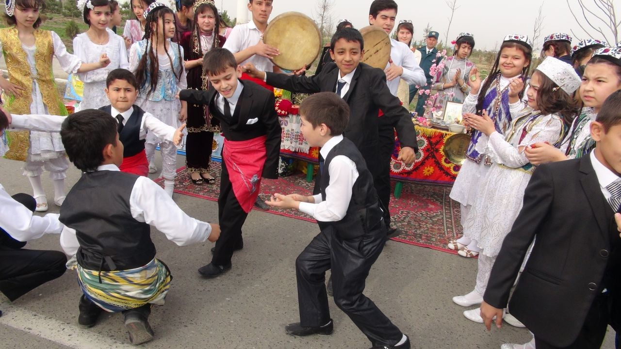 We're getting ready for New Year's in Uzbekistan!